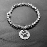 Zilveren armband met Hondenpootje en naam _