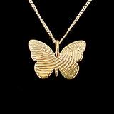 Gouden vlinder hanger met vingerafdruk