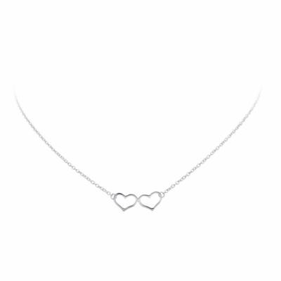 Zilveren collier met twee hartjes