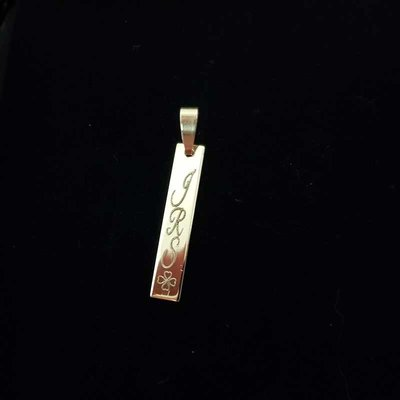 Gouden naam bar hanger 28mm