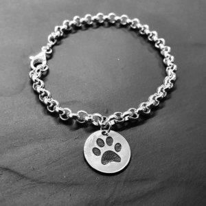 Zilveren armband met Hondenpootje en naam