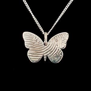 zilveren vlinder hanger met vingerafdruk