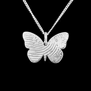witgouden vlinder hanger met vingerafdruk