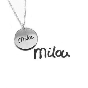 zilveren hanger met handgeschreven naam