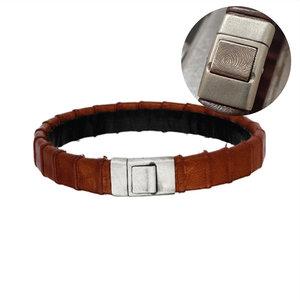 lederen armband bruin met vingerafdruk in zilveren sluiting