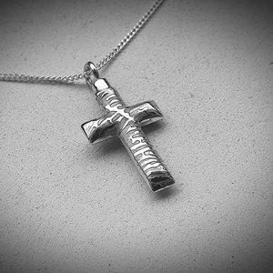 zilveren ashanger kruis met vingerafdruk