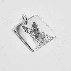 Zilveren hanger met foto hond